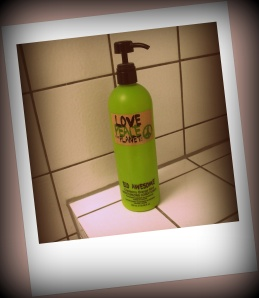 TIGI Love, Peace & the Planet ECO AWESOME Cranberry Orange Mint Moisturizing Conditioner