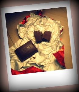 Lindt Hello Caramel Brownie gefüllte Schokoladen Kissen