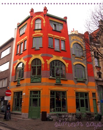 gent-simon-says-haus