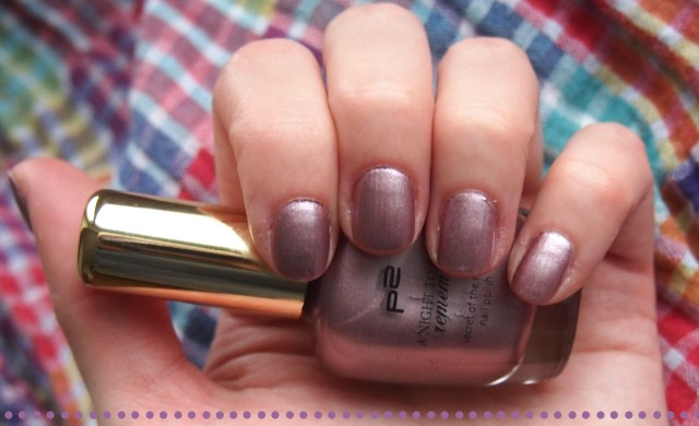 secret-of-the-night-nailpolish-030