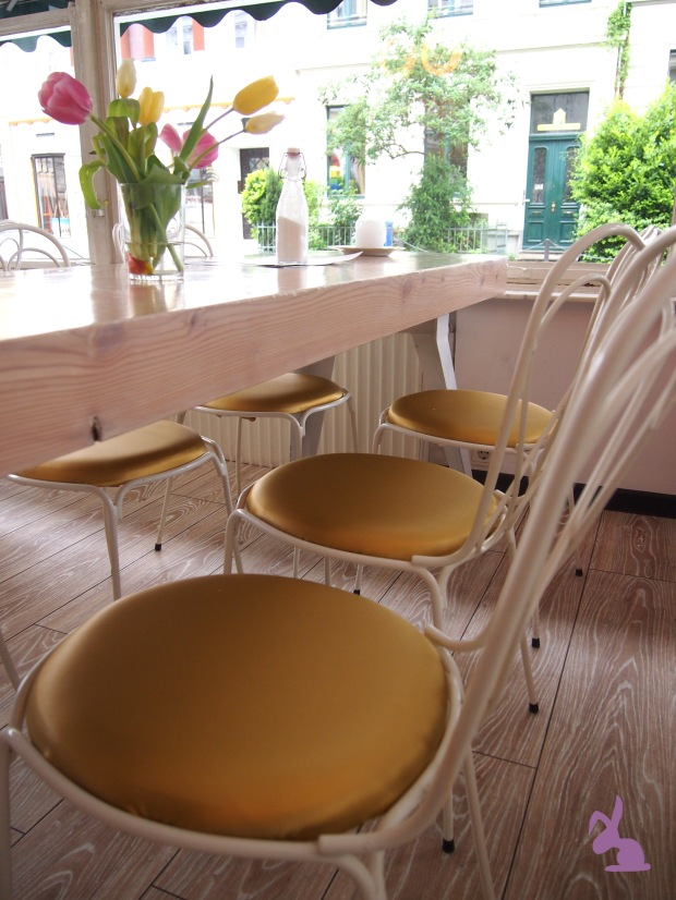 cafe-sahneweiss-wintergarten-flair
