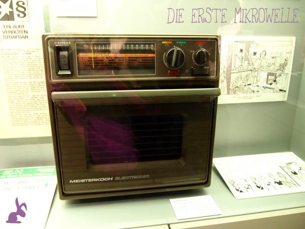 ISS-WAS-Ausstellung-die-erste-mikrowelle
