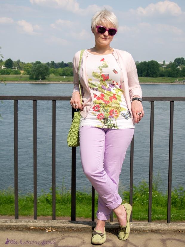 outfit-rhein-puder-rosa-strickjacke