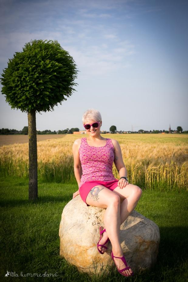 Erdbeeroutfit4-pinkes-top-pinke-shorts