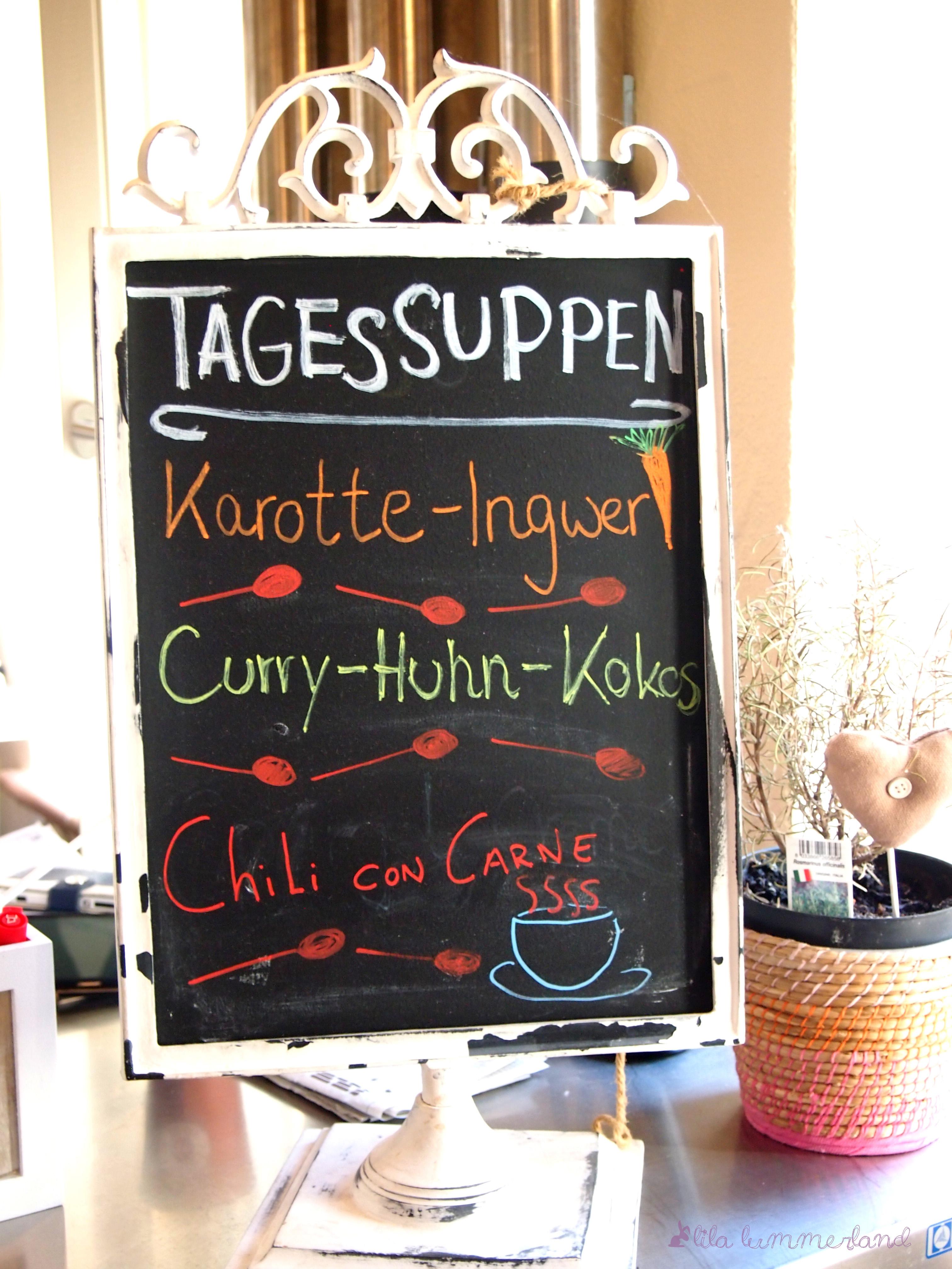 Ein Besuch in Mayras Wohnzimmer – treasure:trasher by Julia ...