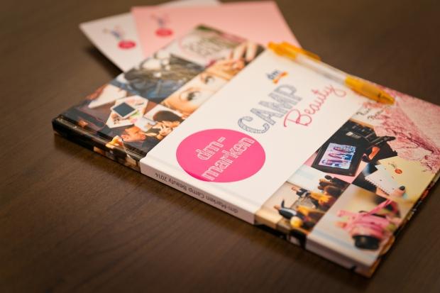 Das erste Goodie: Dieses wunderbare Notizbuch mit Fotos aus dem letzten Jahr auf dem Cover <3 Foto: Johannes Dreuw