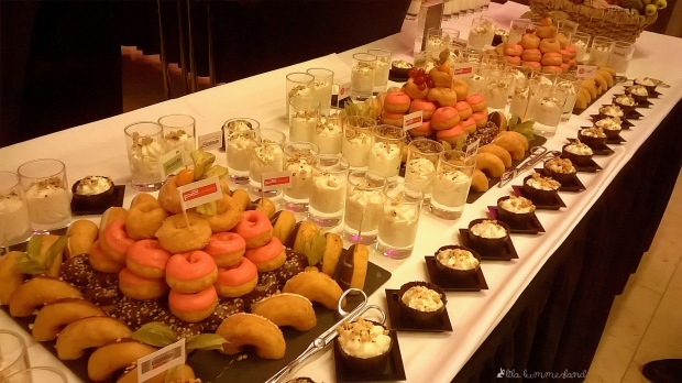 #dmcb14-fruehstueck-buffet-donuts-mascarpone-creme
