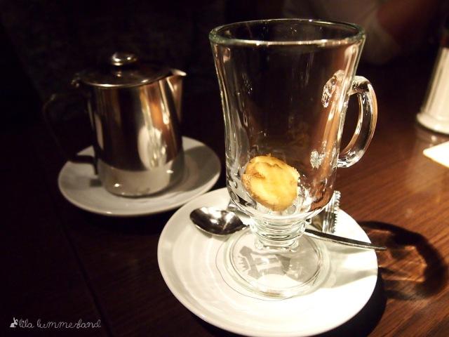 Schicke Tee-Gläser für frische Teesorten im ENTE Bistronomie