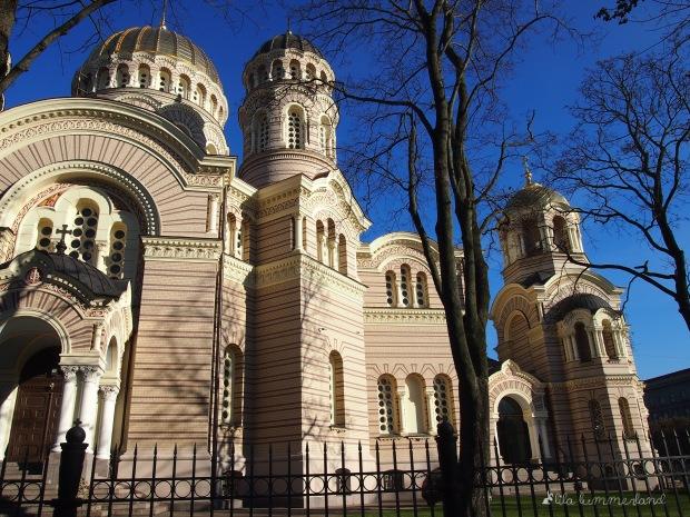 Die russisch-orthodoxe Geburtskathedrale in Riga