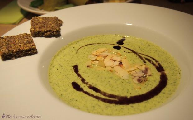 riga-raw-garden-zucchini-creme-suppe