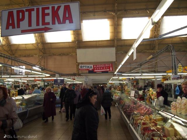 Der Zentralmarkt in Riga - im Inneren einer Markthalle