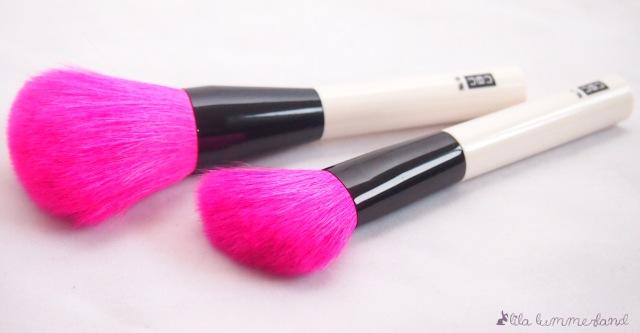 UBU-powder-brush-blush-brush-pink