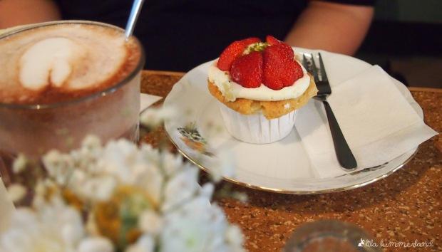 dehly-und-desander-patisserie-bonn-erdbeer-cupcake