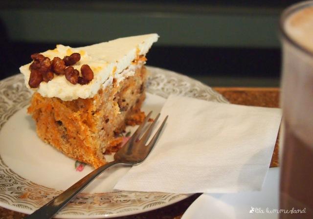 dehly-und-desander-patisserie-bonn-ruebli-kuchen