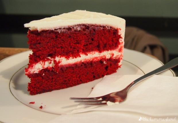 dehly-und-desander-red-velvet-cake