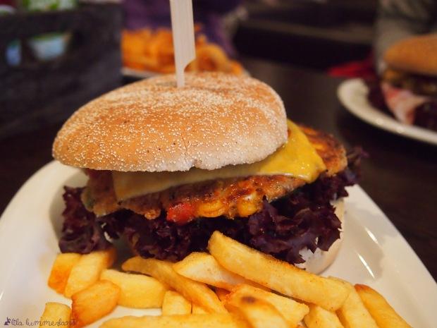 herr-lehmann-bonn-veggie-burger-der-zartschmelzende-cheese