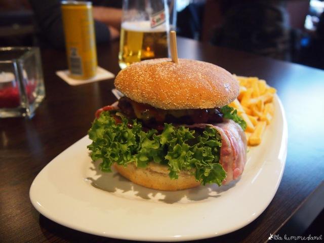 dinner dienstag burger essen bei herrn lehmann lila lummerland. Black Bedroom Furniture Sets. Home Design Ideas