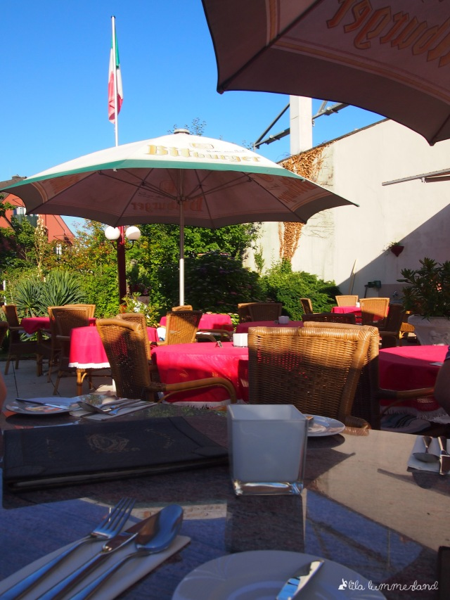 La Gondola Garten Terrasse Biergarten draußen sitzen