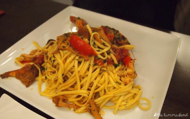 Pasta mit Pilzen und Flusskrebsen