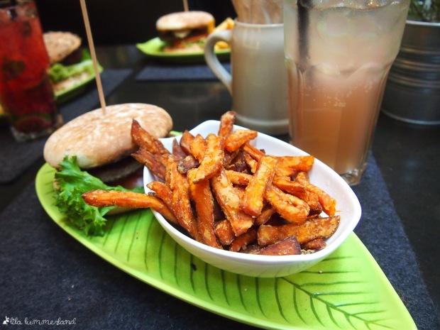 hans-im-glück-koeln-geissbock-burger-suesskartoffelfritten