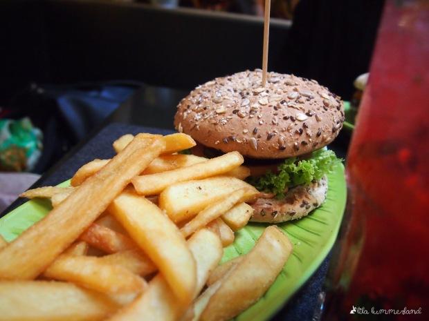 hans-im-glueck-horntreager-veggie-burger