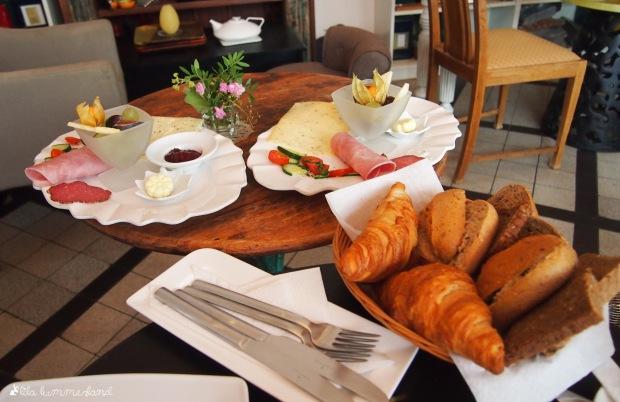 cafe-bluete-bonn-fruehstueck-spezial_