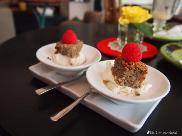 café blüte dessert vanilleeis kuchen himbeere