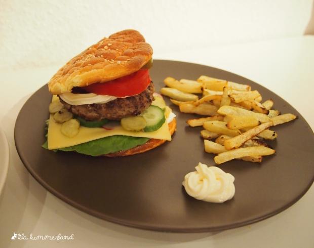 oopsie-burger-mit-kohlrabi-pommes