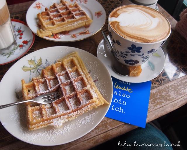 Leuhte Kaffeebar Köln Waffeln