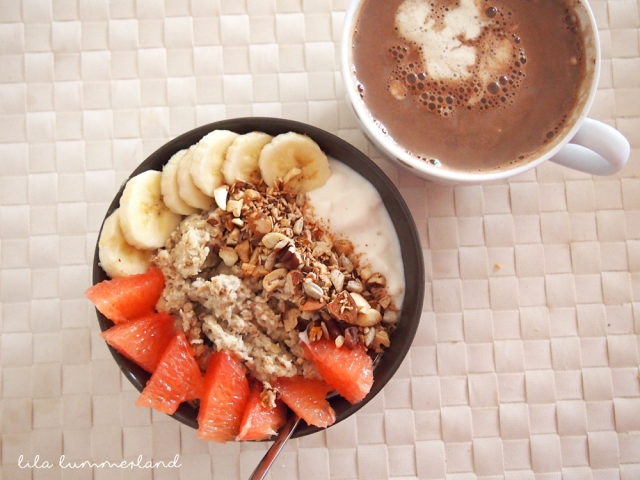 fruehstuecksinspo-porridge-grapefruit-banane