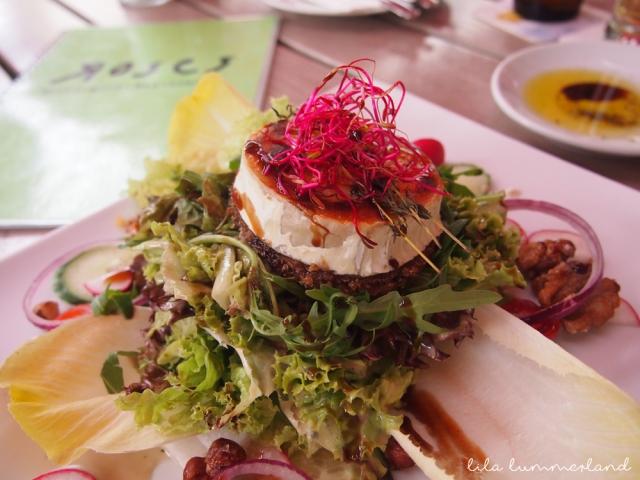 roses-bonn-salat-mit-ziegenkaese