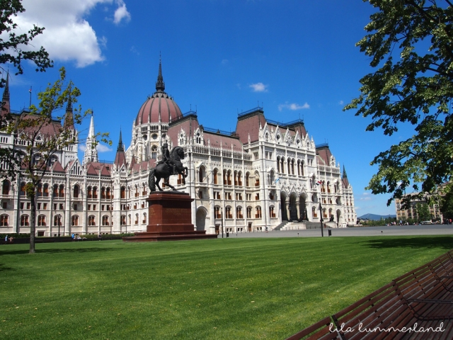 budapest-pest-parlamentsgebaeude