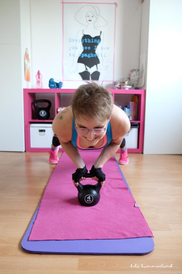kettlebell-push-up-2